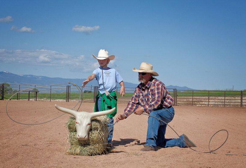 Apprenez les techniques de rodéo comme les vrais cowboys.