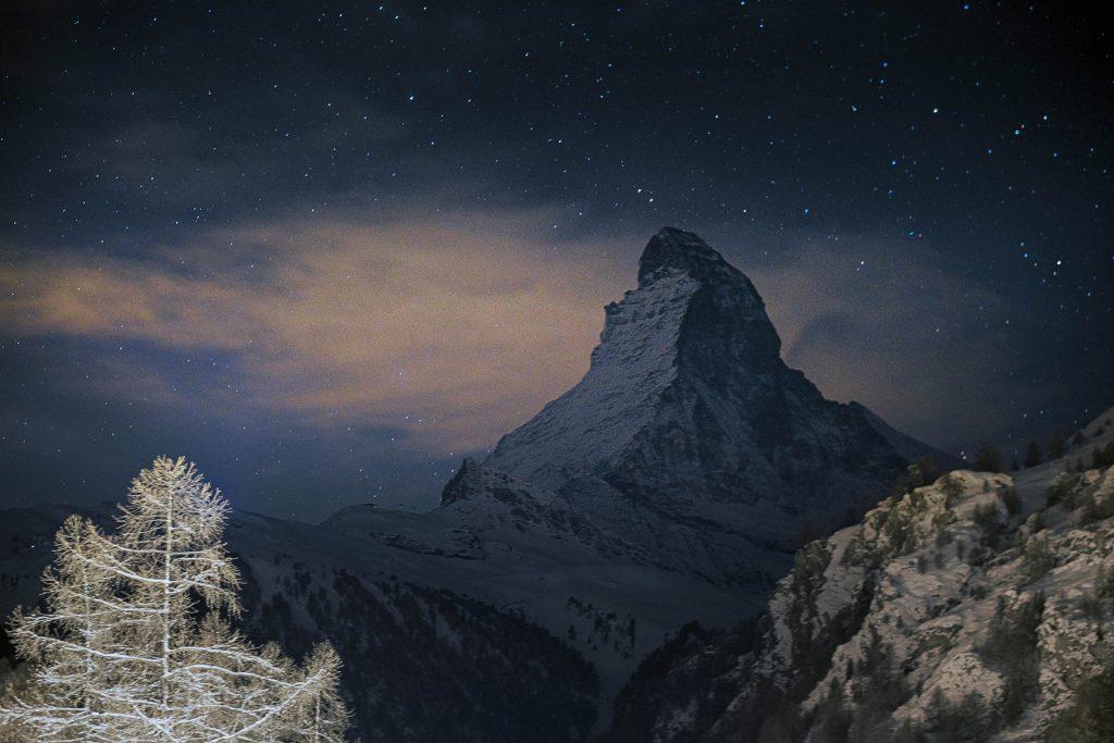Le Mont Cervin de nuit