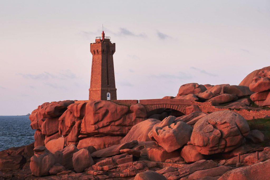 Le phare de Ploumanach au coucher du soleil